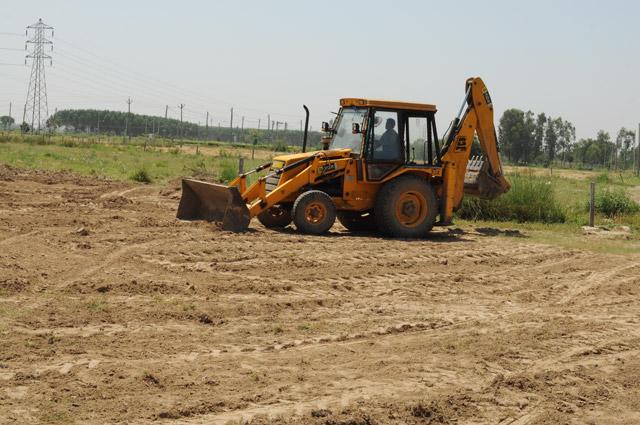 Vatika City Central - Service road development & Sec 25 dividing road- 2