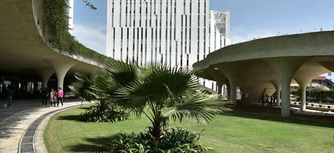 Vatika Mindscapes - Tower B Lawn