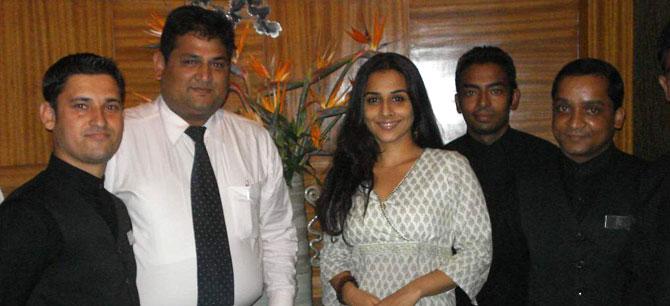 - Vidya Balan visited Coriander Leaf
