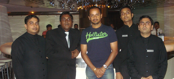 - Murli Kartik at Coriander Leaf