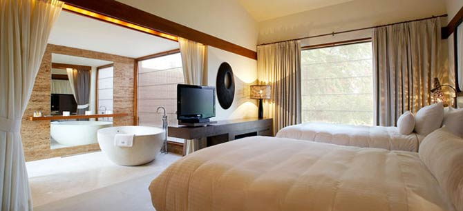 The Westin Sohna Resort and Spa -  Luxury Villa- Bedroom/Bathroom